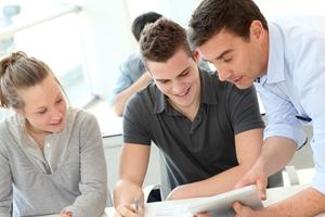终端用户培训是新ERP软件实施中最重要的方面之一