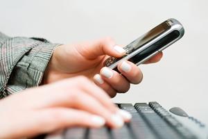 利用移动和社交媒体可帮助零售商成长